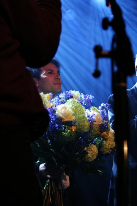 Antonio ja kukat.