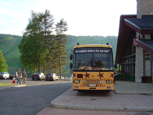 2004_keikkabussi_edesta